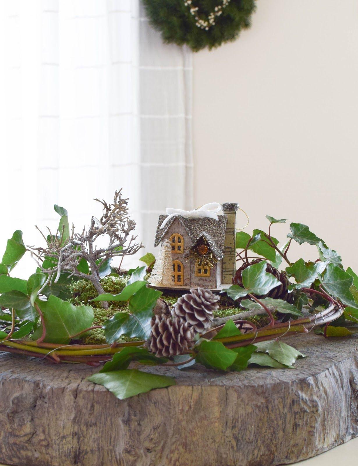 Vertraumtes Tisch Arrangement Mit Efeu Moos Und Ganz Viel Winter
