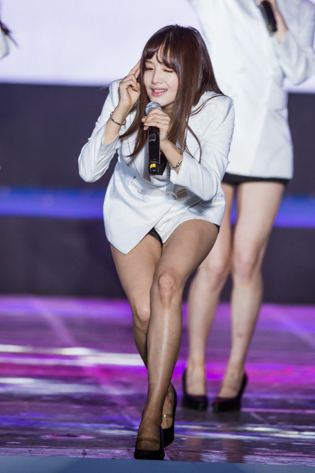 Rainbow Jaekyung Kpop Girls Dance Performance Legs