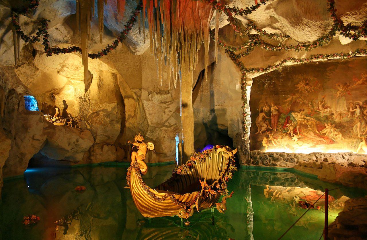 La Grotte De Venus Chateau De Linderhof Chateau De Neuschwanstein Chateau De Baviere Chateau