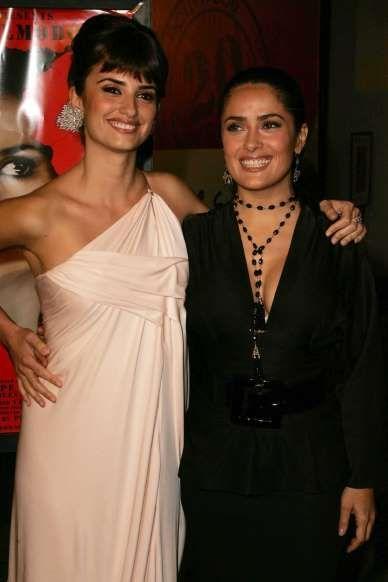 Penélope Cruz e Salma Hayek Le attrici sono amiche da ...