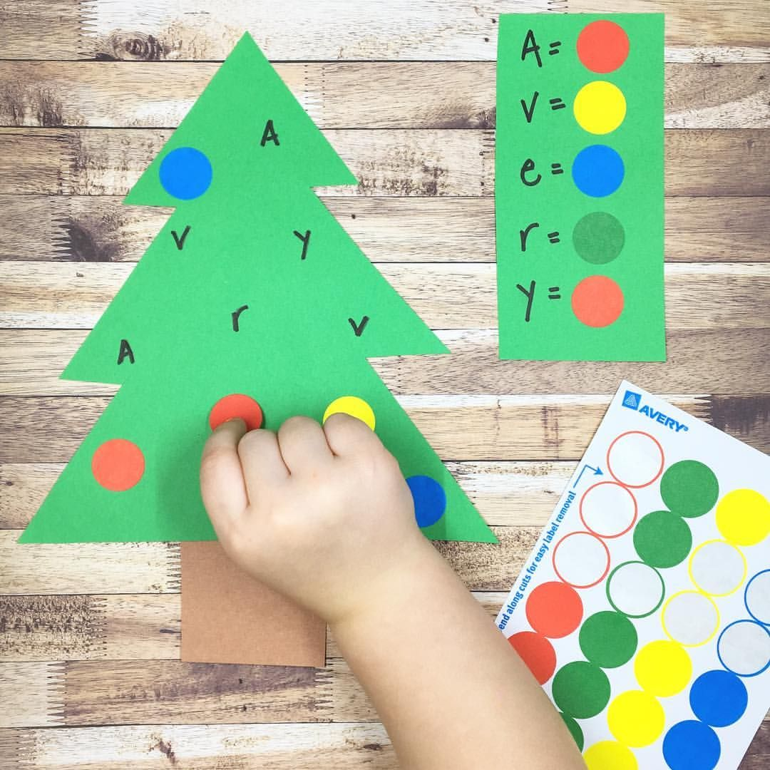 Christmas Tree Decorating With A Name Game Twist Little Sister Age 3 Has Been Super Excite Preschool Christmas Christmas Crafts For Kids Preschool Crafts