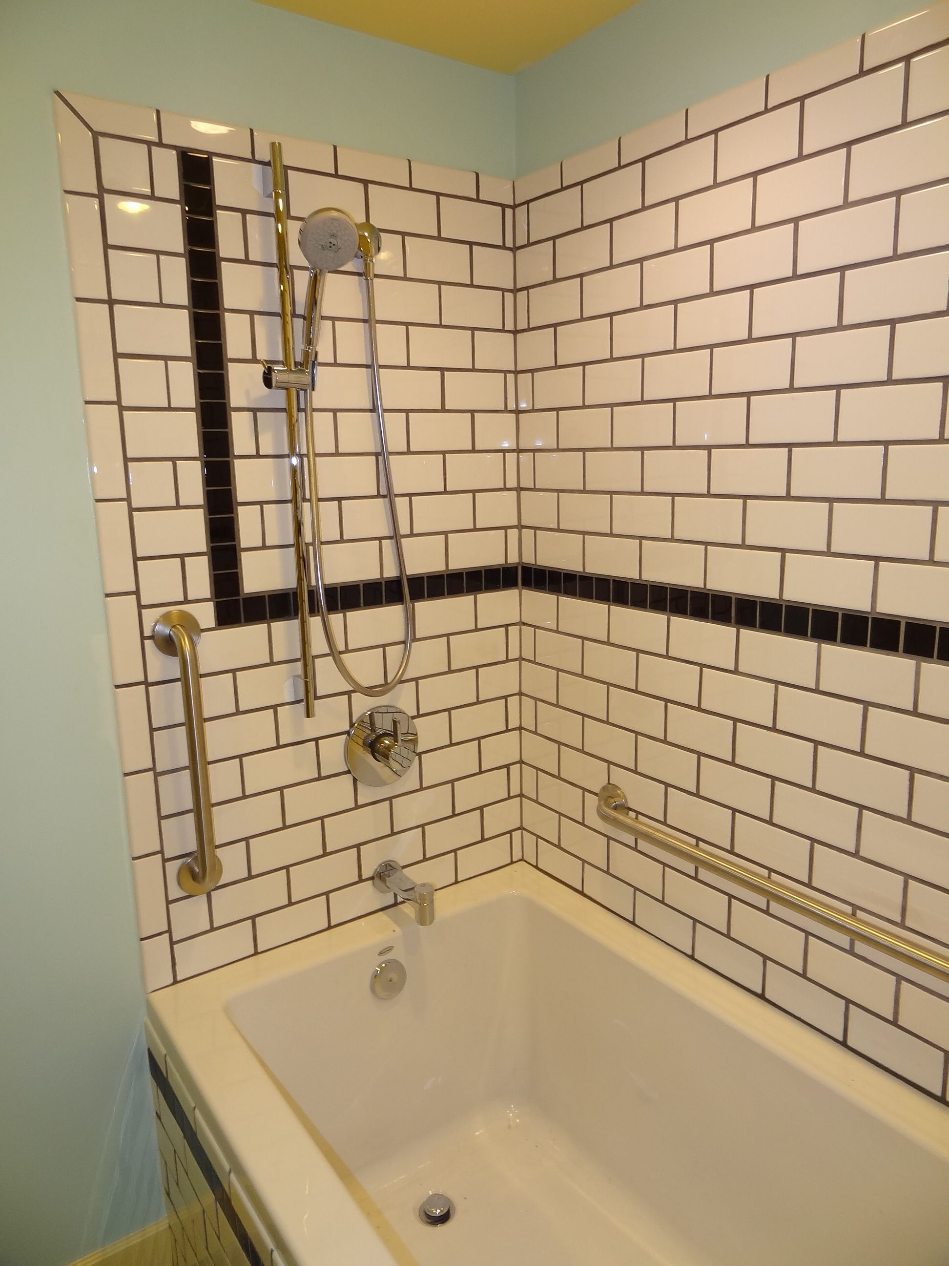 bullnose tile meets tub instead of