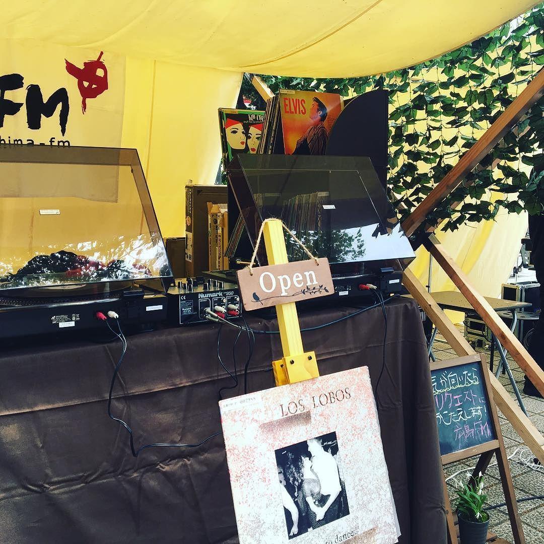 暑ぃ(あぢぃ)なかレコードかけてます #トランクマーケット #袋町公園 #HFM #アイス食べたい by kyonosu
