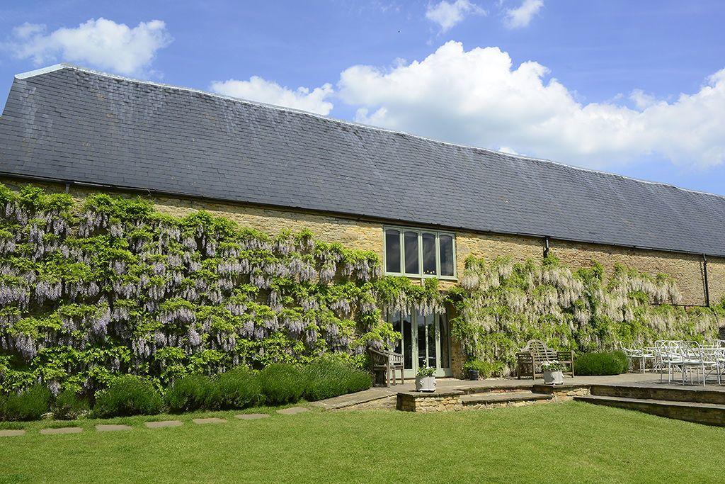 Beautiful barn wedding venues in Oxfordshire   Barn ...