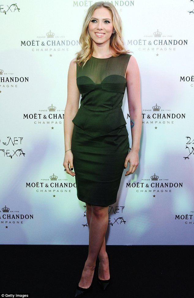 Scarlett Johansson Green Dress