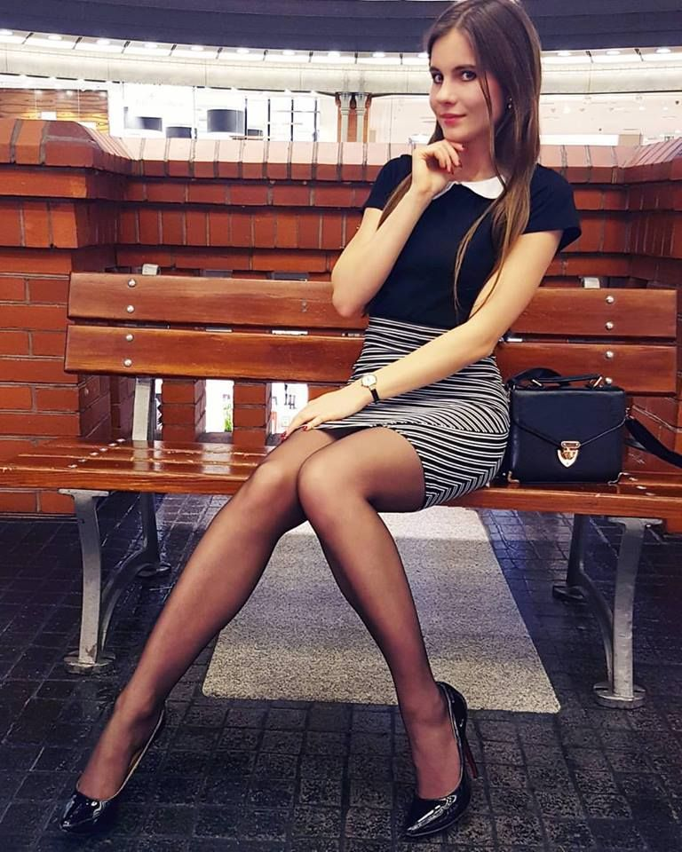 Mall girls pantyhose