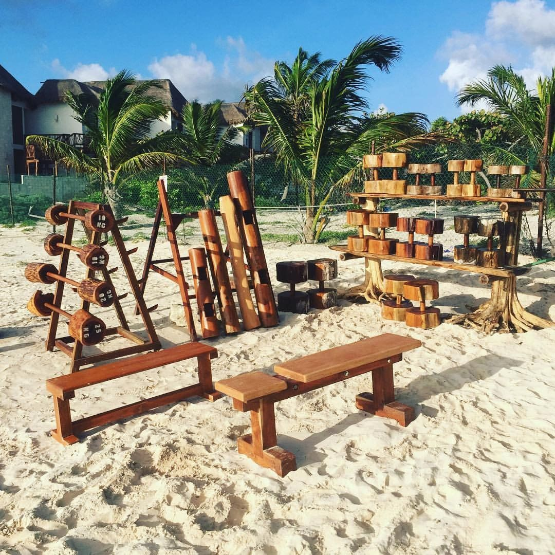 Weight Of Tree Wood: Review Of Tulum Jungle Gym