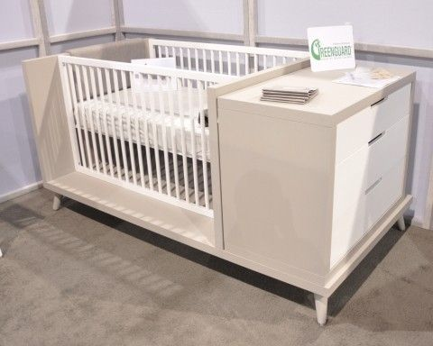 The Soren Quattro is a crib and dresser combo which later converts