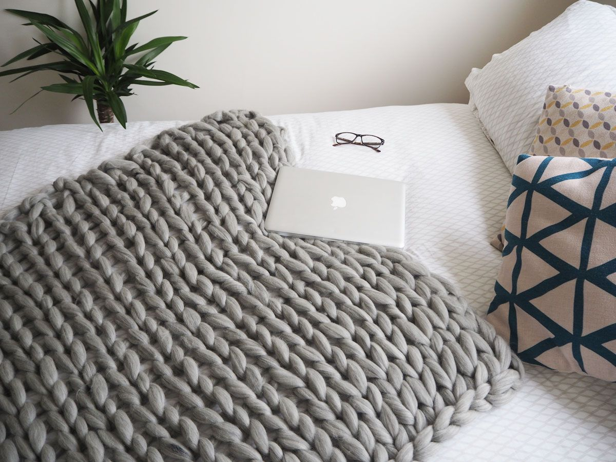pics A knitted throw blanket for cozy nights in