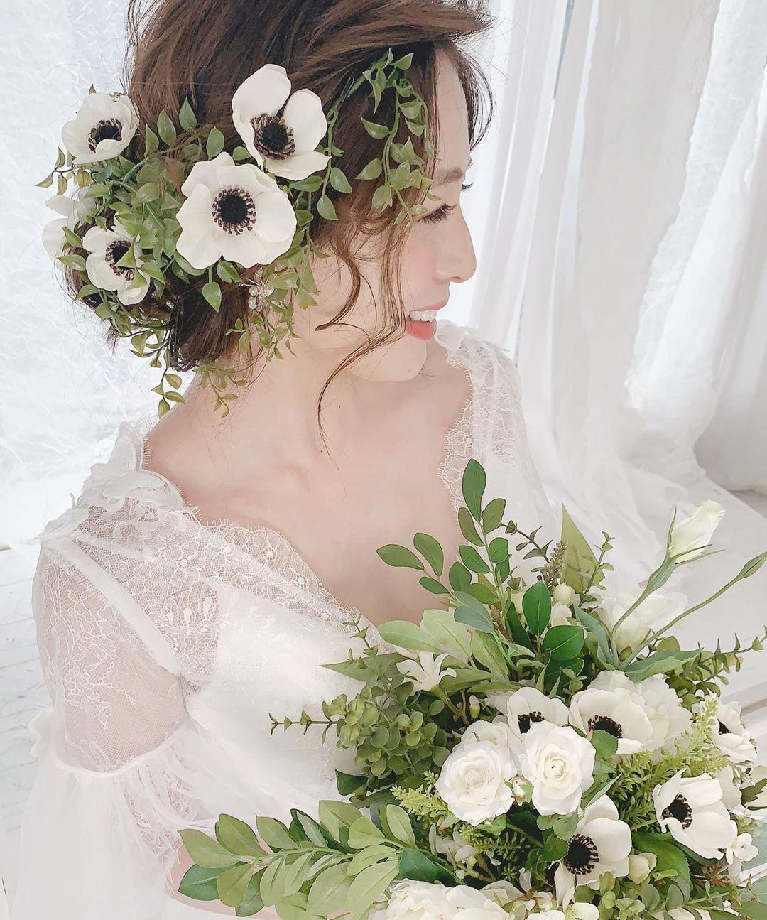 甘過ぎない可愛さが大人気♡今話題のアネモネヘアアレンジ10選 | 結婚式準備はウェディングニュース