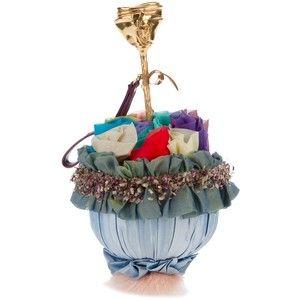 Bolso de Inés Figaredo. Sus bolsos están hechos de materiales suntuosos, de manera artesanal y   los diseños son un sueño  http://www.inesfigaredo.com/