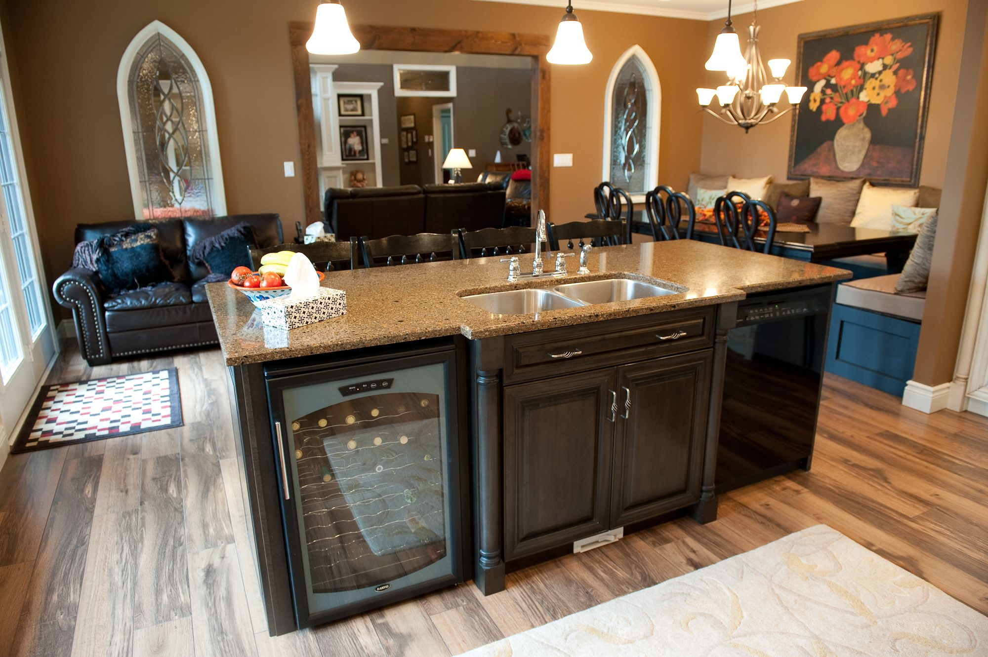 Large Island With Wine Fridge Kitchen Island With Sink Kitchen Island With Sink And Dishwasher Lake House Kitchen