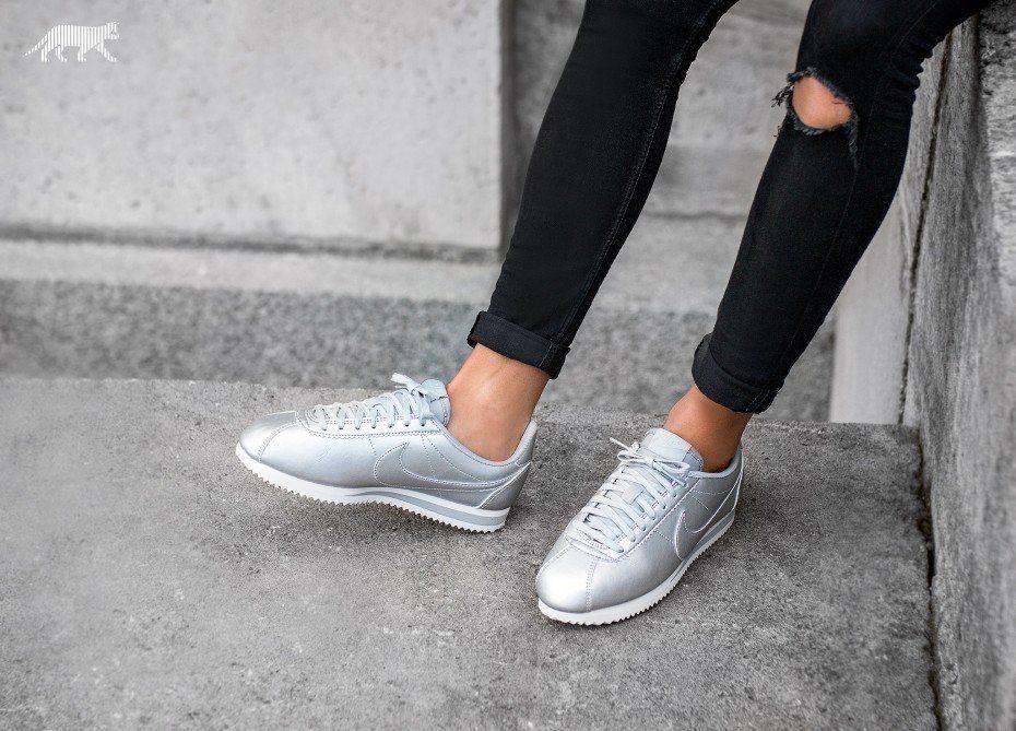 Nike Wmns Classic Cortez Leather (Metallic Silver / Metallic Silver)