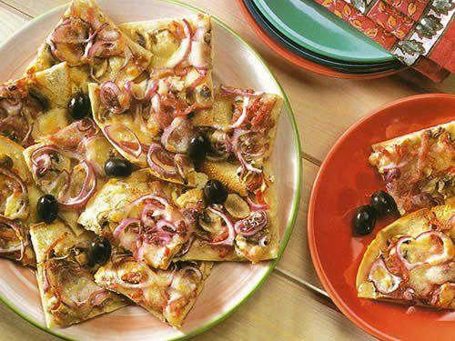 Pizzetas de pan pita - Prepará unas pizzetas con champiñones y longaniza para hacer una entrada fácil y rica.