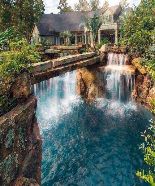 Top 70 besten Backyard Wasserfälle - Wasserspiel Design-Ideen        beautifulhomes #beautifulplaces #beautifullife #lagoonpool #grottopool #luxurypools #luxuryswimmingpools #amazingswimmingpools #dreampools