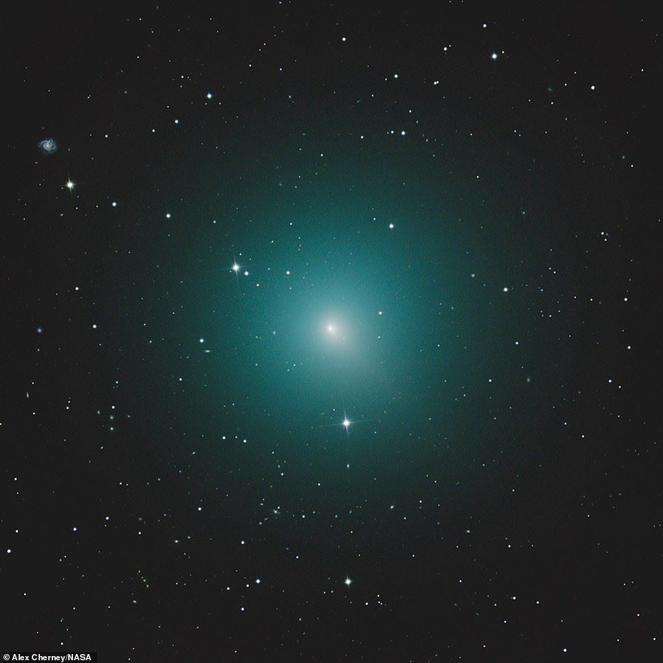 How to see 'Christmas comet,' as stunning photos reveal