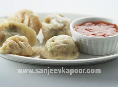 Steamed momos sanjeevkapoor cookery pinterest how to make steamed momos sanjeevkapoor forumfinder