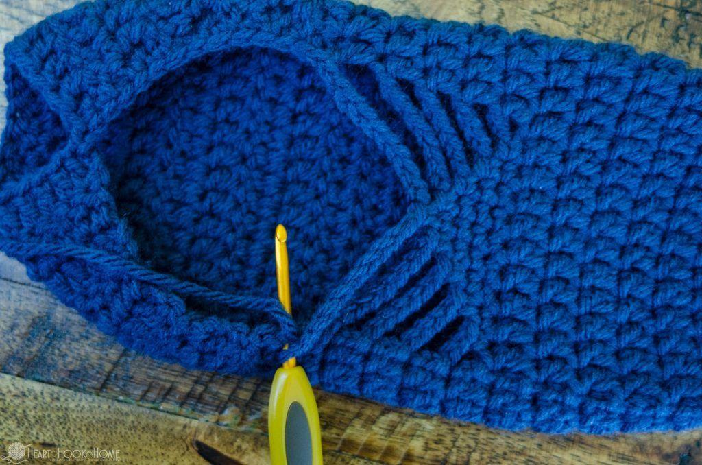 Ballet Slippers Free Crochet Pattern | Pantoffeln, Häckeln und Stricken