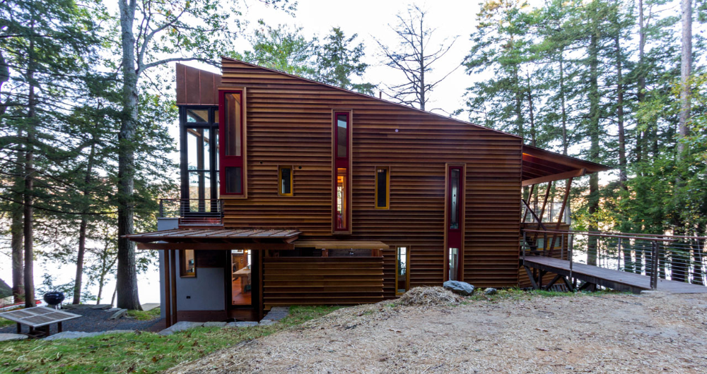 Modern Shou Sugi Ban Wood Cabin In Mascoma Lake Resawn Timber Co In 2020 Shou Sugi Ban Cabins In The Woods Cabin