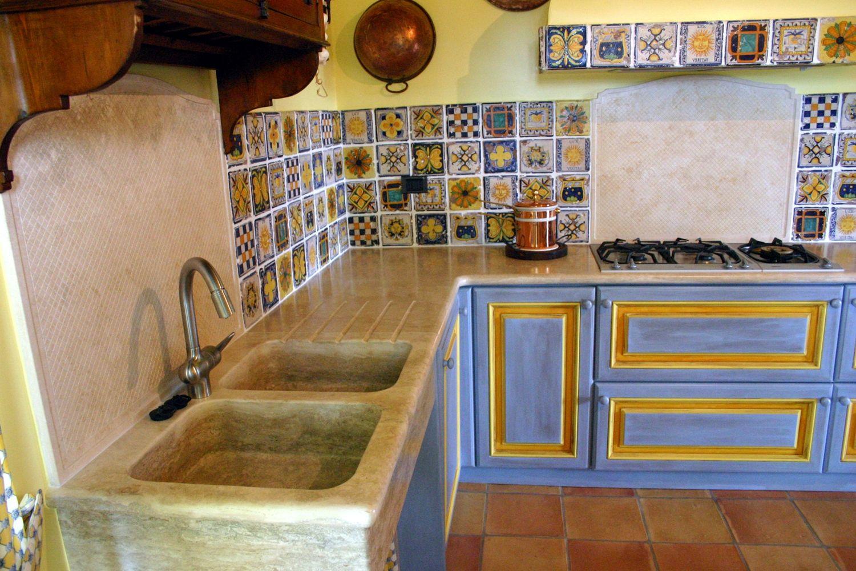 Cucina muratura maioliche smr house design cucina ve for Maioliche da cucina