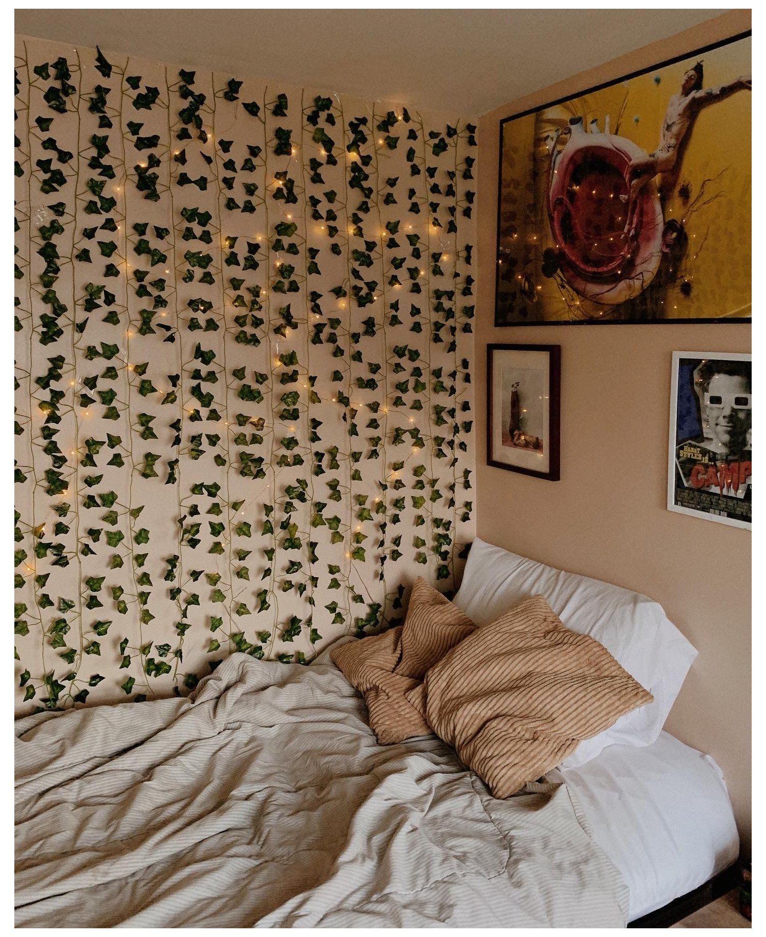 vines and fairy lights bedroom