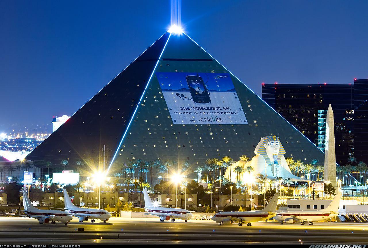 Janet Fleet And The Las Vegas Pyramid Luxor Pyramids Casino