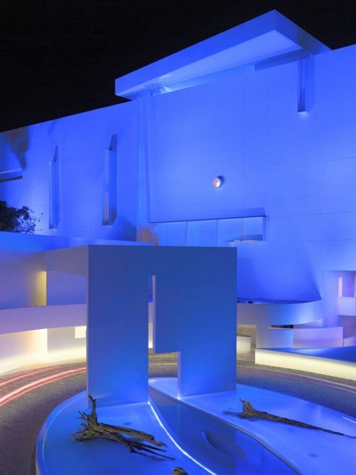 Acapulcos brilliant uber modern hotel encanto