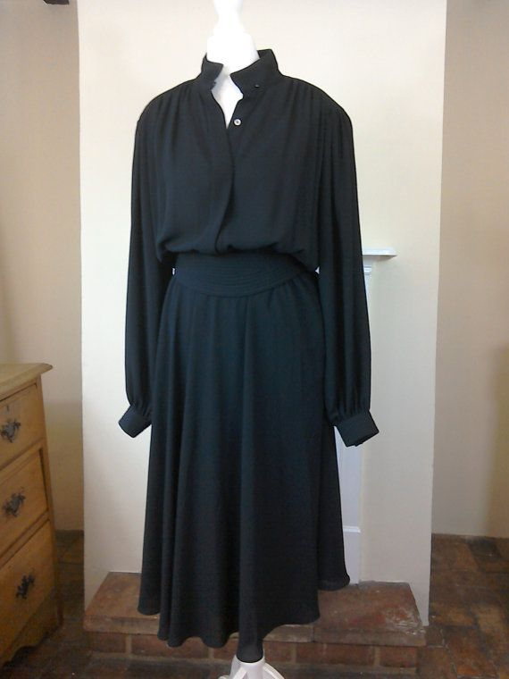 Vintage Retro 1970s Parigi Designer Black Belted by MollyTops