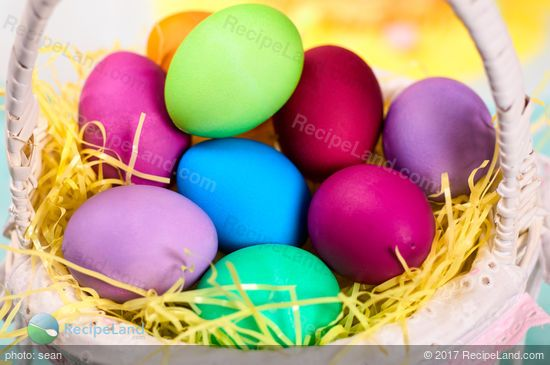 Easter Egg Dye With Color Chart Recipe Food Coloring Chart Coloring Easter Eggs Dying Easter Eggs