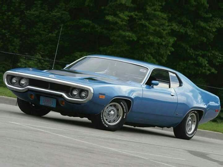 1972 Plymouth Road Runner supposedly has a Hemi in it