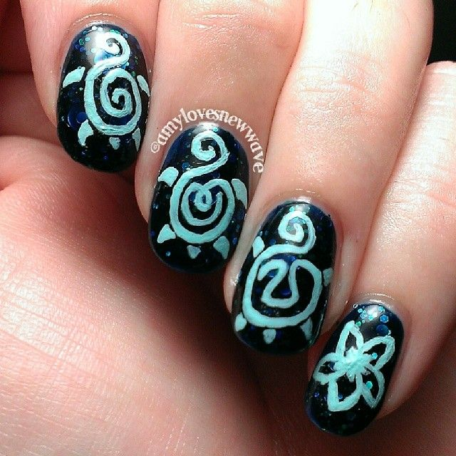 sea turtle nail art by amylovesnewwave   Vacation nails   Pinterest ...
