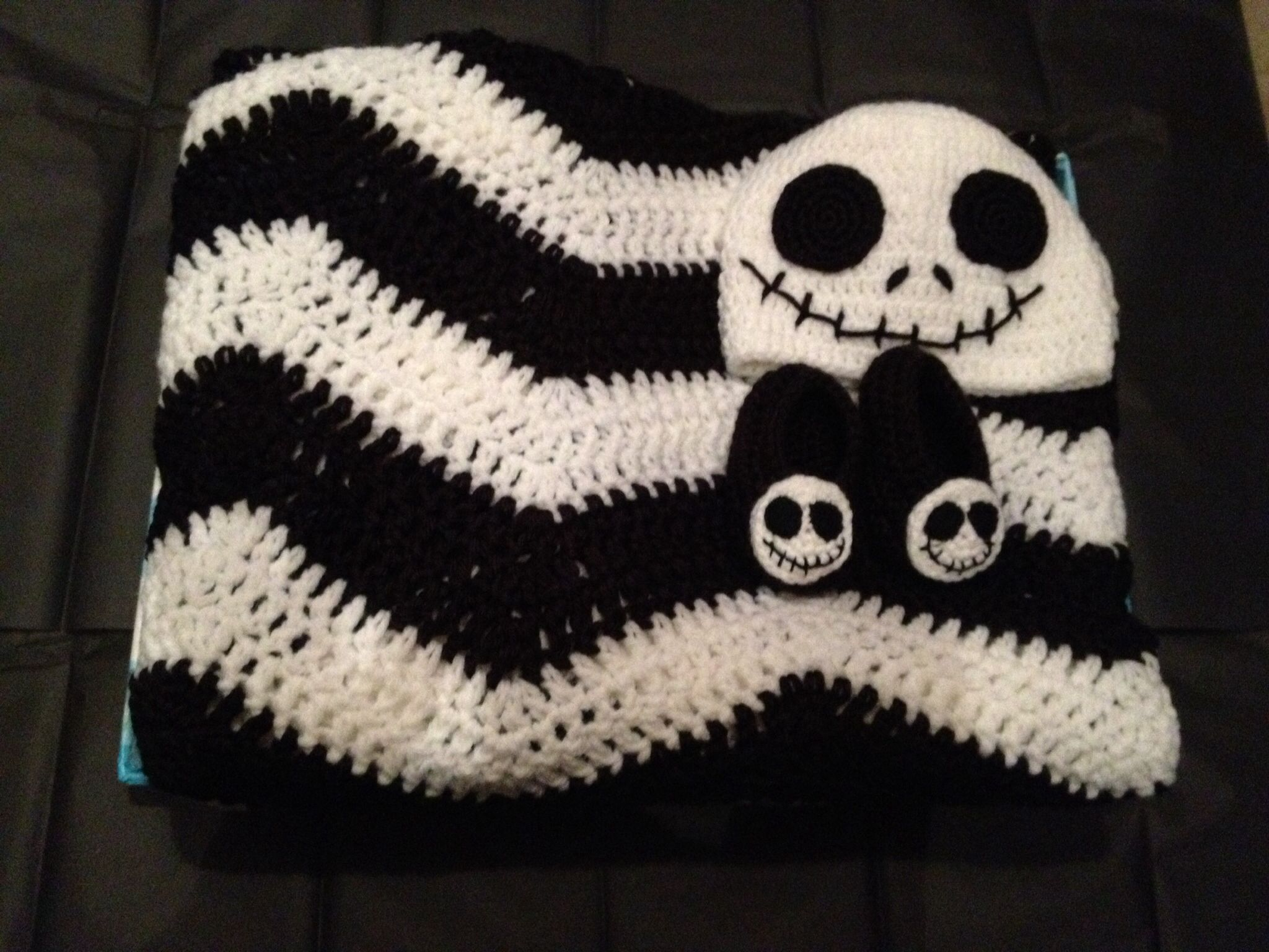 nightmare before christmas baby gift set christmas crochet patterns holiday crochet crochet ideas