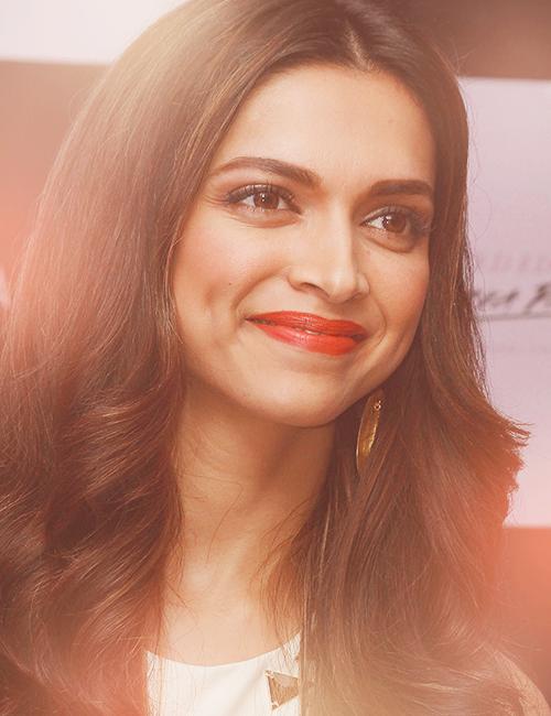 Deepika Padukone | Deepika padukone hair, Long hair styles ...