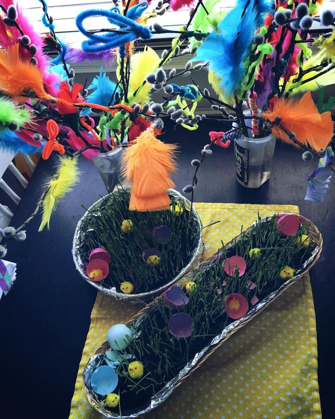 Pääsiäinen! #askartelupaskartelu #virvonvarvon #pääsiäinen #virpomisoksat #ohraruoho #tipuja #instalife #instadaily #diy by jonnnuu