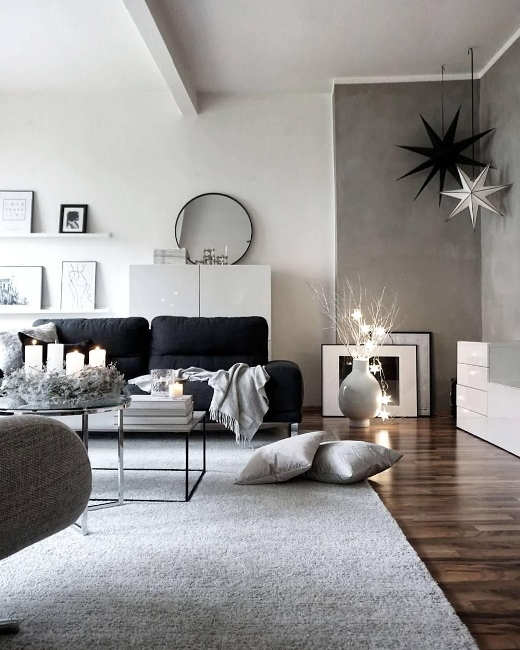 das wohnzimmer von anika pries ist minimalistisch simpel