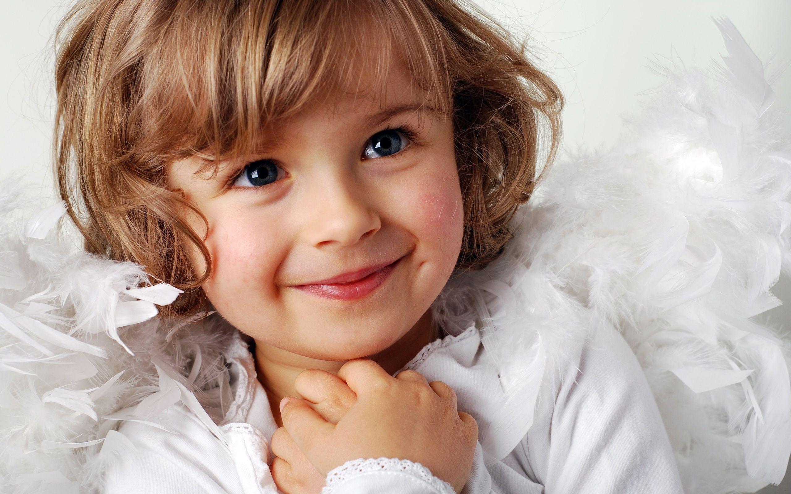 9e49f266bba5 Cute little girl a sweet smile wallpaper - 2560x1600