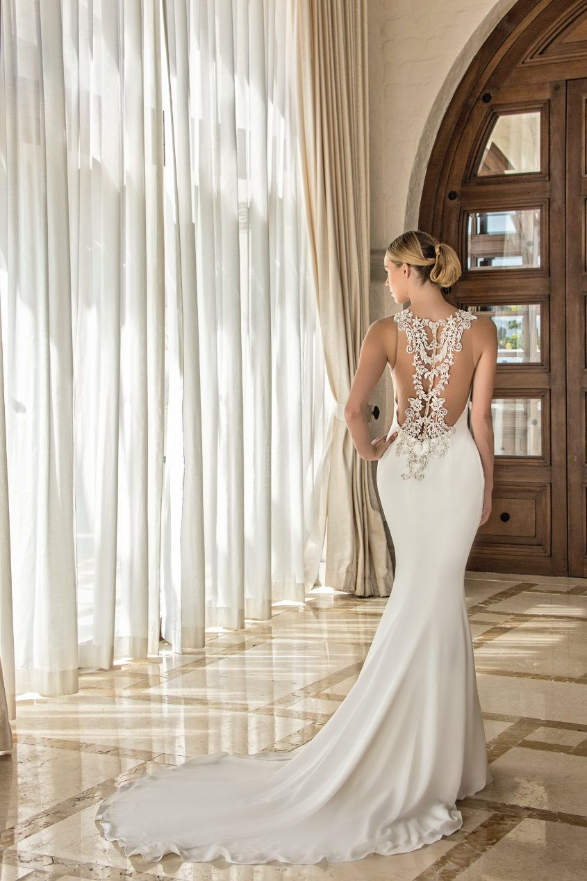 Enzoani Takes Cabo Inside The 2017 Fashion Event Enzoani Wedding Dresses Gorgeous Gowns Bridal Wear [ 1268 x 845 Pixel ]