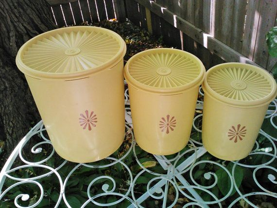 Hey, I found this really awesome Etsy listing at https://www.etsy.com/listing/207265888/retro-vintage-1970s-tupperware-servalier