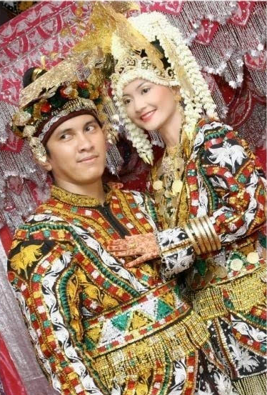 Pakaian Adat Provinsi Nusa Tenggara Timur