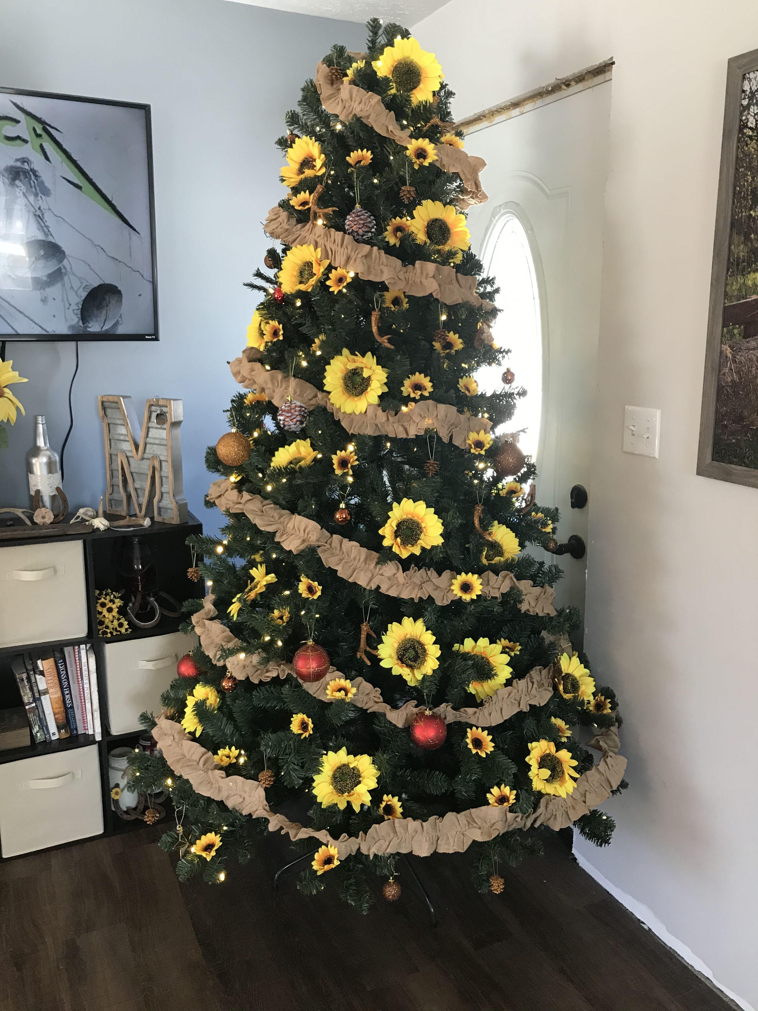 Rustic sunflower Christmas tree sunflowerchristmastree