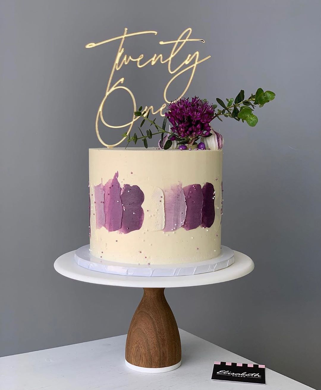 "Burnt Island Occasions's Instagram photo: ""There has been a lot of love for this font which was first used on @mrshinchhome 30th Birthday cake 🧁 . . Stunning cake by; @elisabethcakes…"""