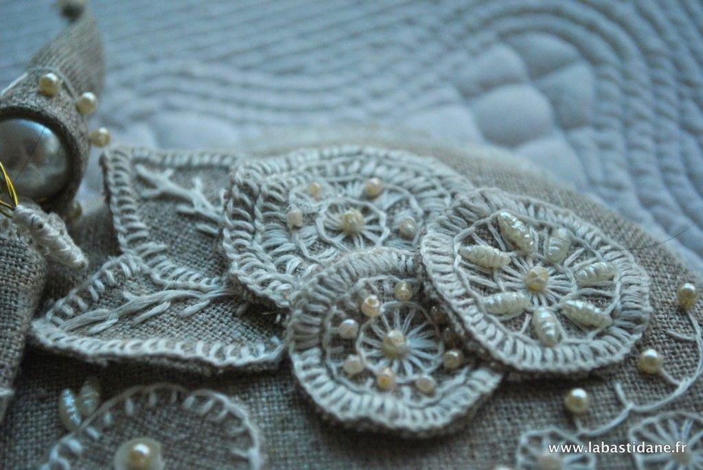 La Bastidane Créations improbables take a stitch tuesday ... BUTTONHOLE STITCH ... WEEK 2