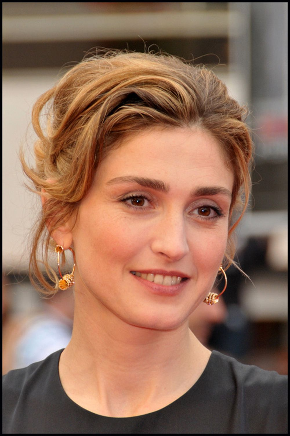Julie Gayet Nude Photos 75