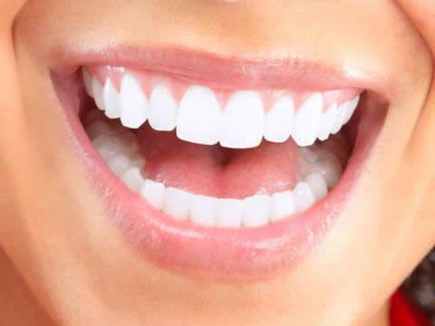 Clareamento Dental Usando Produtos Naturais Muitas Pessoas Evitam