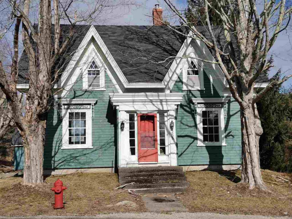 C 1840 Gothic Revival In Mahone Bay Nova Scotia 499 000 Old House Dreams Mahone Bay Scotia