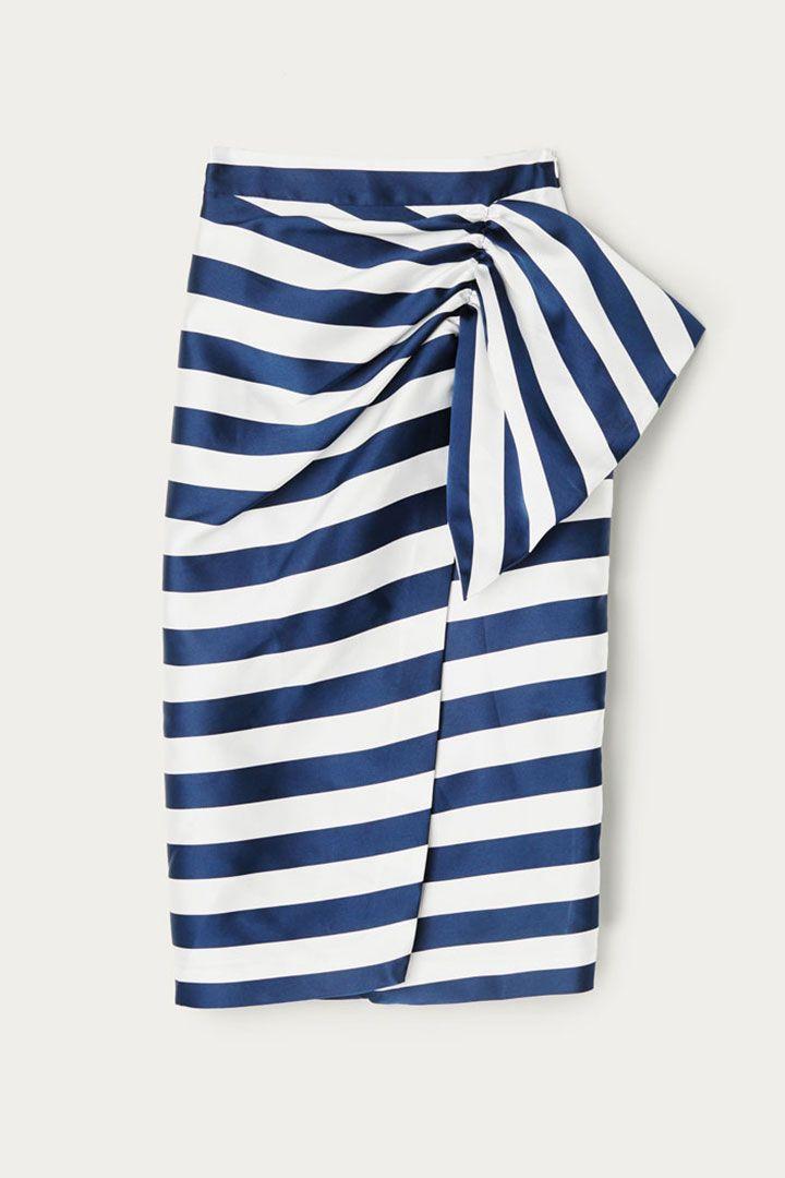 967dc9d20 15 faldas para invitadas que demuestran que hay vida más allá del ...