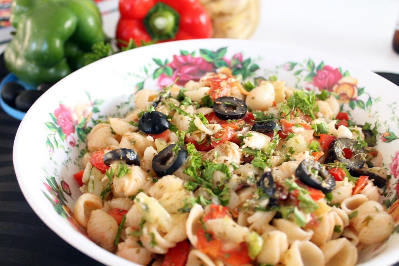 La parfaite recette de salade de pâtes méditerranéenne. En ...