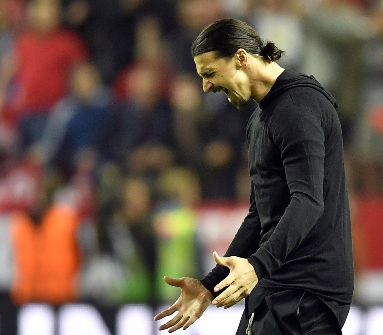 Zlatan Ibrahimovic Out 1 Month with Knee Injury Jose