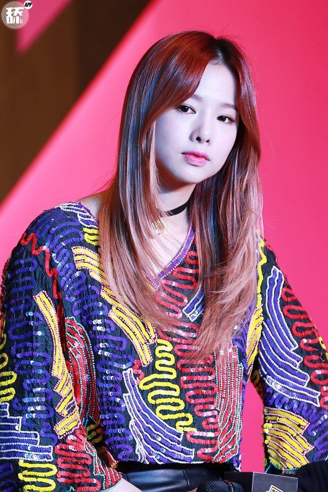 Nayeon Won Face Claim Heo Solji Is Hayun S 26 Year Old Maid Kpop Girls Girl Arin Oh My Girl