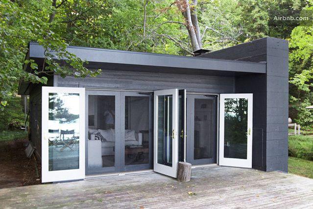 Modern Beach House On Lake Michigan In St Joseph Modern Beach House Modern Cabin Small House